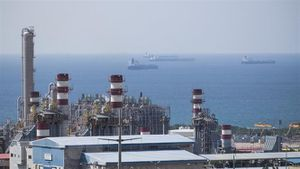 Thổ Nhĩ Kỳ sẽ tiếp tục mua dầu khí của Iran bất chấp bị trừng phạt