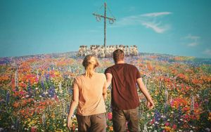 Review phim Midsommar: Tuyệt tác 'chia tay' kinh dị đẫm máu đến từ đạo diễn Hereditary
