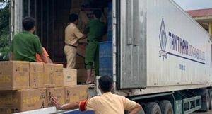 Vận chuyển hàng chục ngàn gói thuốc lá lậu trong xe container