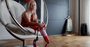 Mẫu nhí không chân làm nên lịch sử trên sàn catwalk