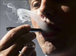 Trên 800 người bị tổn thương phổi, 12 người tử vong do hút thuốc lá điện tử