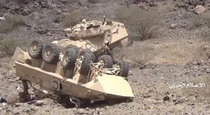 Hành động lạ của Houthi với loạt thiết giáp chiến lợi phẩm từ Saudi Arabia