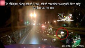 Xe tải bị rơi hàng, các tài xế phía sau tranh nhau 'hôi của'