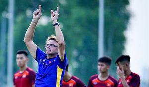 Hai cầu thủ HAGL được triệu tập lên U19 Việt Nam