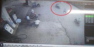Truy cản nhóm cướp, người đàn ông bị 'nữ quái' đâm thủng phổi