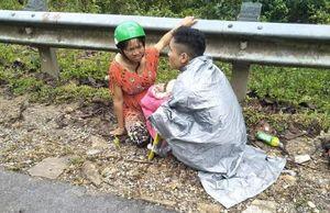 Bất ngờ chuyển dạ trên đường, chồng làm 'bà đỡ' cho vợ sinh con