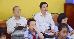 Chủ tịch tỉnh Thừa Thiên- Huế bất ngờ vào dự giờ lớp học