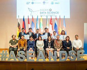 Sinh viên Việt Nam đăng quang cuộc thi Khám phá Khoa học Số ASEAN 2019