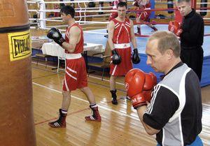 Hé lộ sự cố ông Putin từng bị gãy mũi khi tập đấm bốc