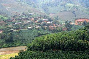 Làng định cư trên đất Lũng Pô