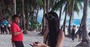Mặc bikini mảnh như sợi dây ở bãi biển, nữ du khách bị phạt hơn 1 triệu
