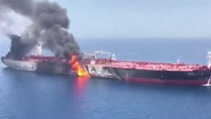 Báo Nga chê tên lửa Mỹ tấn công tàu dầu Iran