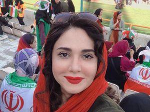 Con gái Việt ngày càng mê bóng đá, phụ nữ Iran 40 năm mới được tới SVĐ