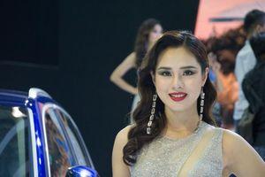 'Bóng hồng' khoe sắc tại triển lãm ôtô lớn nhất Việt Nam