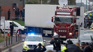 39 người trên xe container không chết vì lạnh?