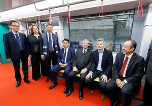 Cận cảnh đoàn tàu đầu tiên tuyến metro Nhổn - Ga Hà Nội trên đất Pháp