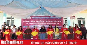 Bàn giao các điểm trường tại huyện Quan Sơn