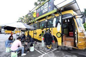 Độc đáo quán cafe bus thân thiện với môi trường