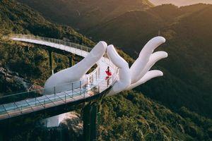 Bàn tay Phật ngọc Trung Quốc trong ảnh check-in của du khách