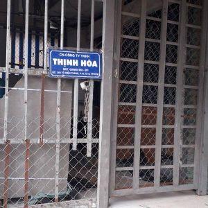Công ty nhập container quần áo Trung Quốc 'đội lốt' hàng Việt 'cửa đóng then cài' sau khi bị bắt giữ