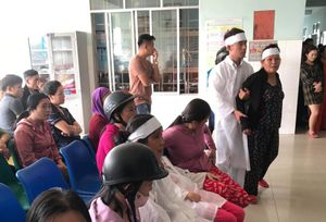 Nam thanh niên sốt 39 độ chết tức tưởi, người nhà kéo đến bệnh viện phản ứng