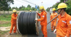 EVN 'kêu' khó khăn trong sản xuất nên phải huy động nguồn điện chạy dầu giá cao