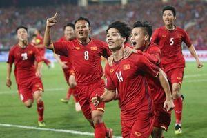 Nỗi lo lắng trước giờ tuyển Việt Nam đấu UAE