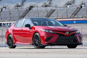 Top 10 xe thể thao 4 cửa phiên bản 2020 tốt nhất: Toyota Camry TRD góp mặt