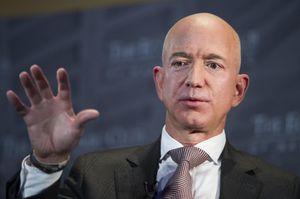 Chi 100 triệu USD từ thiện, người giàu nhất thế giới vẫn bị mỉa mai