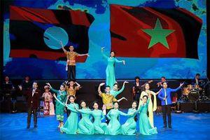 Sôi động Tuần văn hóa Việt Nam tại Lào