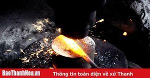 Làng nghề vào Tết: Làng rèn đỏ lửa suốt ngày đêm
