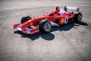 Xe đua F1 của huyền thoại Michael Schumacher được bán đấu giá kỉ lục