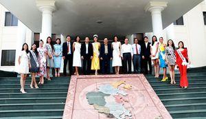 Lãnh đạo tỉnh Khánh Hòa tiếp các thí sinh Hoa Hậu Hoàn vũ Việt Nam 2019
