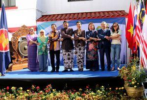 Ủy ban ASEAN tại Mexico tổ chức Hội chợ Bazaar quảng bá văn hóa