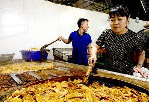 Hàng Việt gấp rút chuẩn bị cho mùa Tết