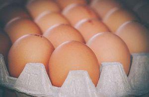 Chết nghẹn vì nhận lời thách đố ăn 50 quả trứng
