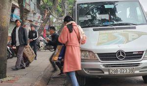Quận Ba Đình (Hà Nội): Bất lực trước tụ điểm 'xe dù, bến cóc' đi Lạng Sơn?
