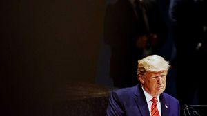Tiết lộ danh tính người tố giác ông Trump cho Hạ viện