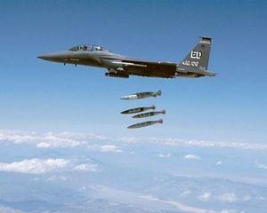 Mỹ dội bom xóa xổ căn cứ lực lượng Iran khắp Trung Đông