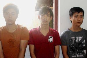 3 thanh niên cướp tài sản của đôi nam nữ tâm sự ven đường