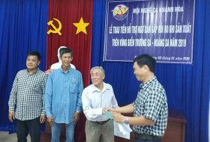 Khánh Hòa: Trao tiền hỗ trợ cho 9 tàu cá bị chìm