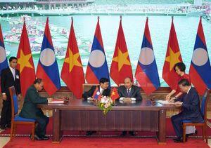 Thủ tướng Việt Nam, Lào đồng chủ trì kỳ họp Ủy ban liên Chính phủ