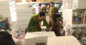Sản xuất giấy ăn nghi giả nhãn hiệu Việt Nam Airline bị phát hiện