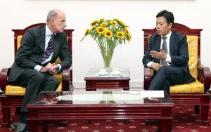 Thứ trưởng Lê Quân tiếp Trưởng đại diện Cao ủy Liên Hợp quốc về Người tị nạn (UNHCR) tại Việt Nam