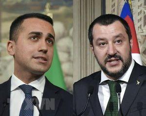 Italy tránh được nguy cơ bầu cử trước thời hạn