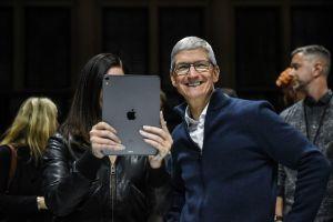 Apple lại có doanh thu kỷ lục, iPhone 11 và thiết bị đeo 'đẻ trứng vàng'