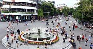 Hà Nội dừng các hoạt động ở phố đi bộ vì dịch corona