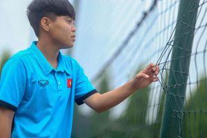 Vạn Sự - nữ cầu thủ giúp bóng đá Việt Nam tiến gần Olympic