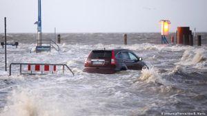 Đức chuẩn bị ứng phó với siêu bão Sabine