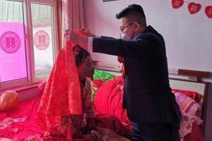 Đám cưới không khách mời, hôn lễ 2 phút giữa mùa dịch corona